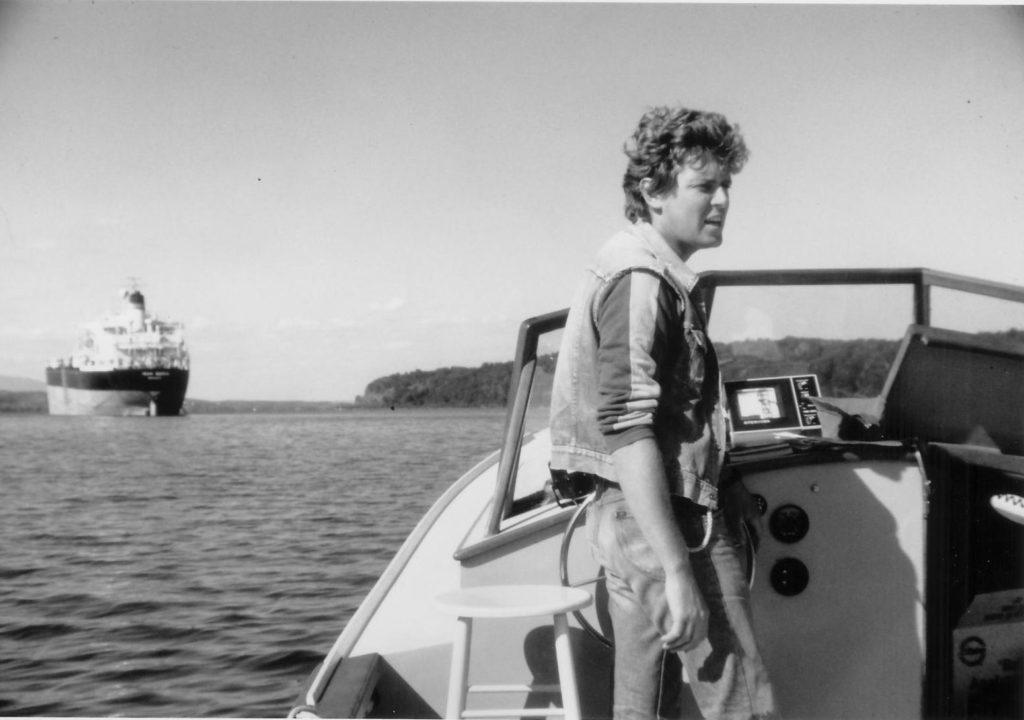 John Cronin, le premier au monde à temps plein riverkeeper, en patrouille dans la rivière Hudson.