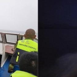 Dongting Lake Waterkeeper on patrol during spring fishing ban