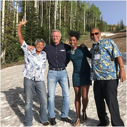 Robert F. Kennedy Jr. with Bahamians at Waterkeeper Alliance Conference