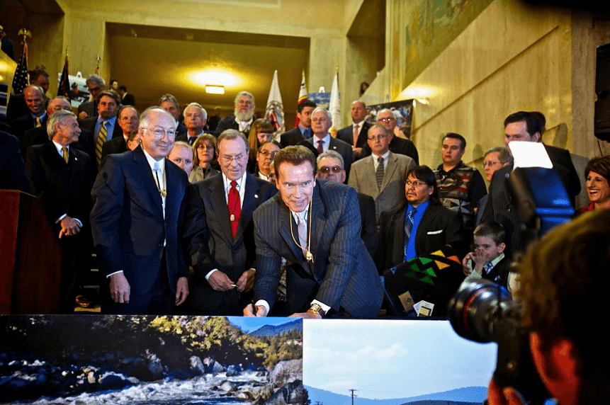 The Klamath agreements were signed by more than 40 stakeholders, including California Governor Arnold Schwartzenegger, in 2010 but expired in 2015 because of the ideological opposition of a few members of congress.