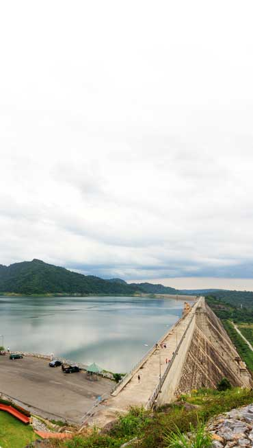image of a dam extending into the water